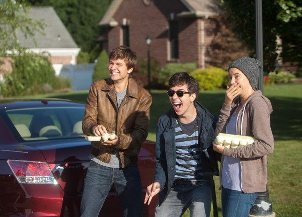 the-fault-in-our-stars-nat-wolff-shailene-woodley-ansel-elgort-600x432