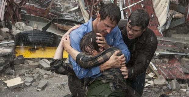 Richard-Armitage-and-Nathan-Kess-in-Into-the-Storm