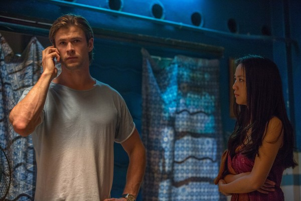 blackhat-image-chris-hemsworth-tang-wei-600x400