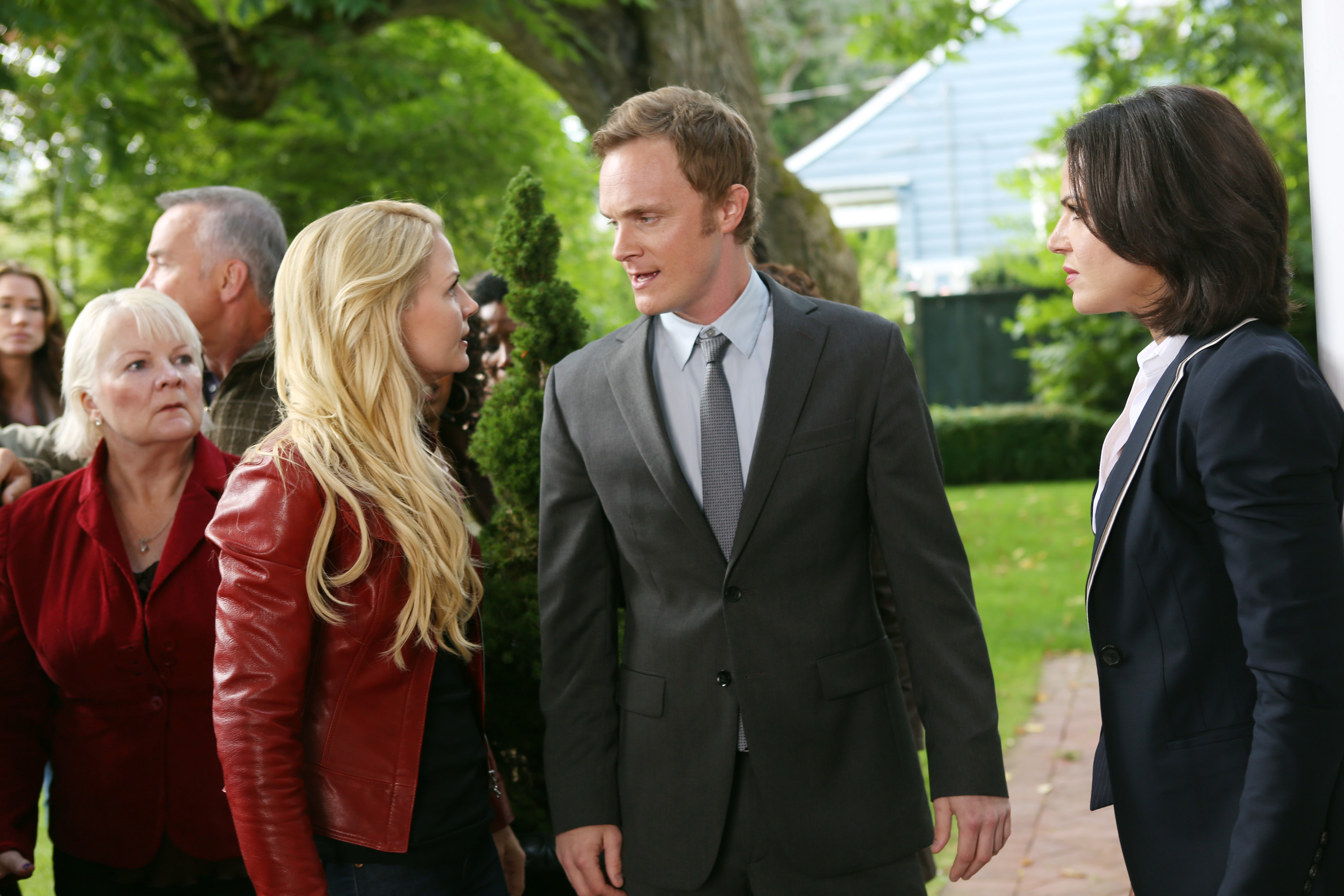 """ONCE UPON A TIME - In the premiere episode, """"Broken,"""" reality and myth begin to merge as the fairytale characters awaken from Evil Queen Regina's broken curse and remember who they were. But to their dismay, they aren't transported back to fairytale land. To make matters worse, Rumplestiltskin - aka Mr. Gold - in an effort to gain the upper hand in his power struggle with Regina, has introduced magic into the town. In fairytales magic has its place, but in our world it can have unfathomable consequences. Meanwhile, back in the fairytale land, Prince Phillip awakens his sleeping beauty, Aurora (Sarah Bolger, """"The Tudors""""), but discovers that he and his traveling companion, Mulan (Jamie Chung, """"Sucker Punch,"""" """"The Hangover Part II""""), will soon have to face a deadly foe, on the Season Premiere of """"Once Upon a Time,"""" SUNDAY, SEPTEMBER 30 (8:00-9:00 p.m., ET) on the ABC Television Network. (ABC/JACK ROWAND) JENNIFER MORRISON, DAVID ANDERS, LANA PARRILLA"""