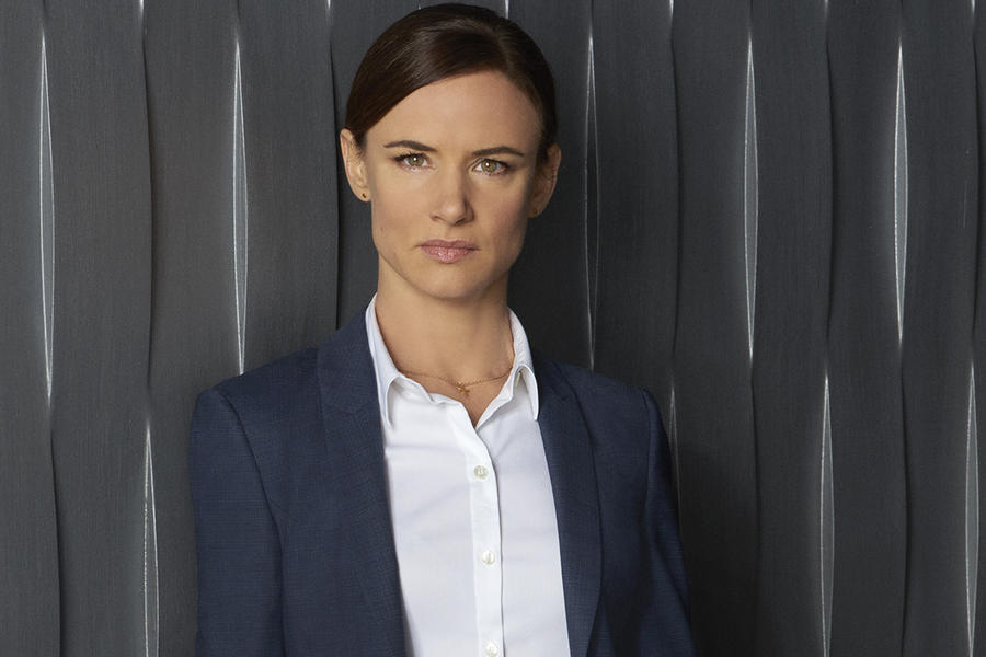 "SECRETS AND LIES - ABC's ""Secrets and Lies"" stars Juliette Lewis as Detective Cornell. (ABC/Bob D'Amico)"